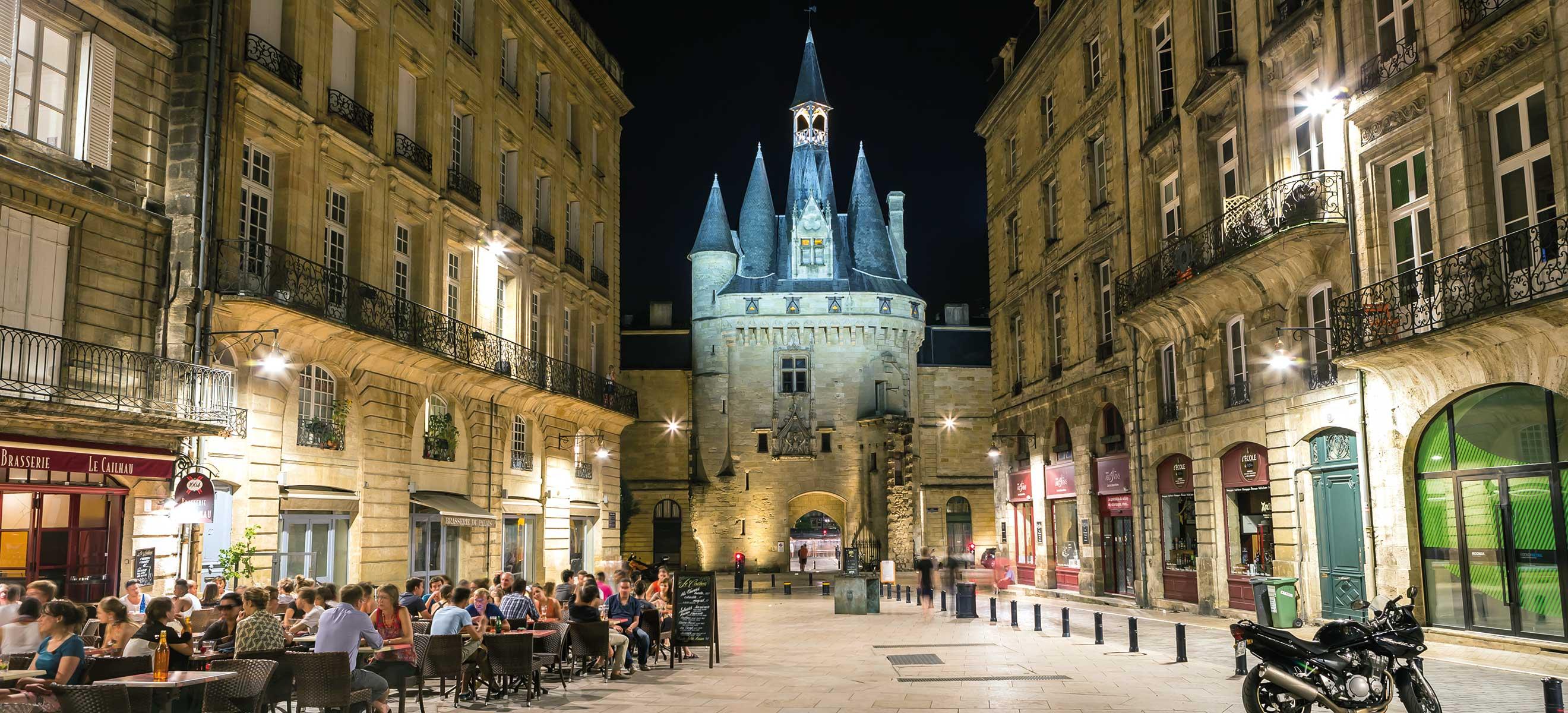 ca37957420 Die Altstadt von Bordeaux steht innerhalb der ehemaligen Stadtmauer.