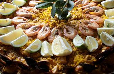 Symbolbild - Paella / © Wikimedia Commons, User: Ireas