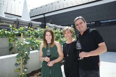 Das Lebensmotto der Familie Pfneisl lautet »Born 2 Make Wine«.