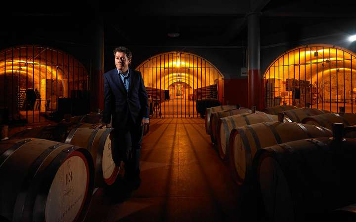 Penfolds Chief Winemaker Peter Gago im Keller von Magill Estate.