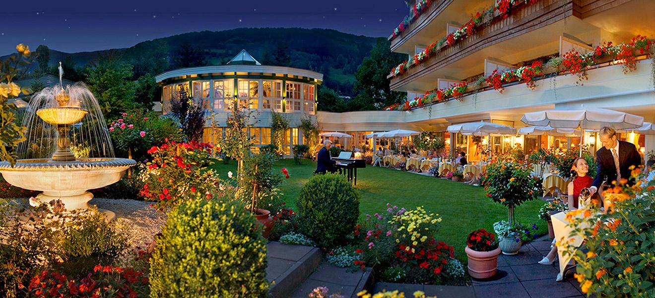 Restaurant salzburgerstube im hotel salzburgerhof in 5700 for Designhotel zell am see living max